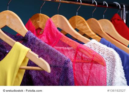 Fetischismus- Selbstbefriedigung im Abendkleid